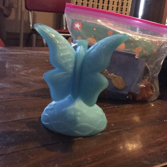 Fenton satin glass butterfly ring holder